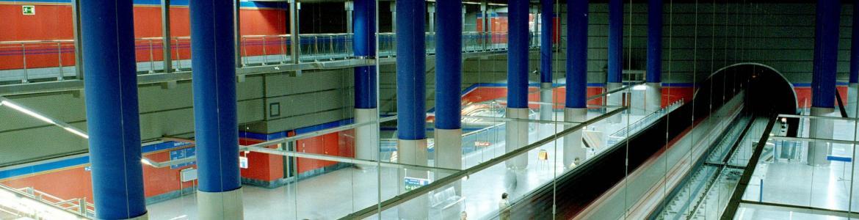 Vista de los andenes de la estación Mar de Cristal