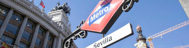 Boca de metro de la estación de Sevilla