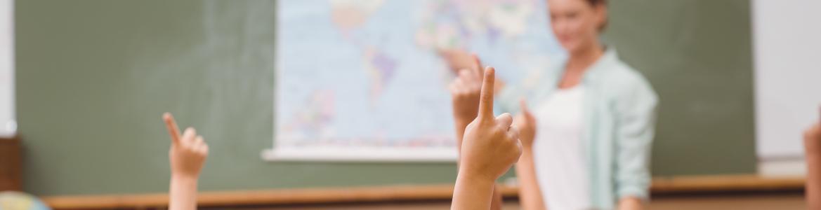 El esfuerzo presupuestario, autorizado hoy por el Consejo de Gobierno, va a permitir atender a 6.300 estudiantes de colegios públicos de Educación Infantil, Primaria y Secundaria de la región en una situación económica desfavorecida. Asimismo, en el caso