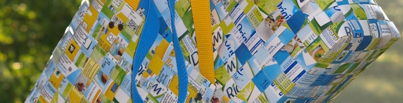 Cestas hechas con material reciclado
