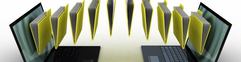 imagen de ordenadores transfiriendo carpetas de documentos