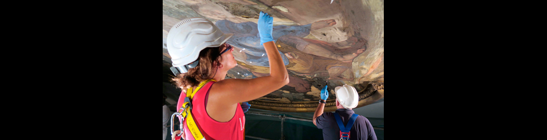 Pinturas murales de la bóveda situada a los pies de la iglesia parroquial de Santa Bárbara
