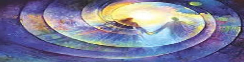 Dibujo en tonos azules y amarillos de dos personas dentro de una espiral