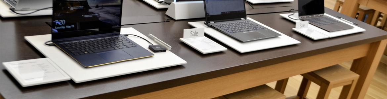 Ordenadores en mesa