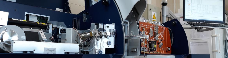 interior de un analizador lácteo automático