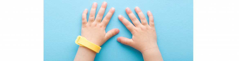 manos pulsera repelente 2