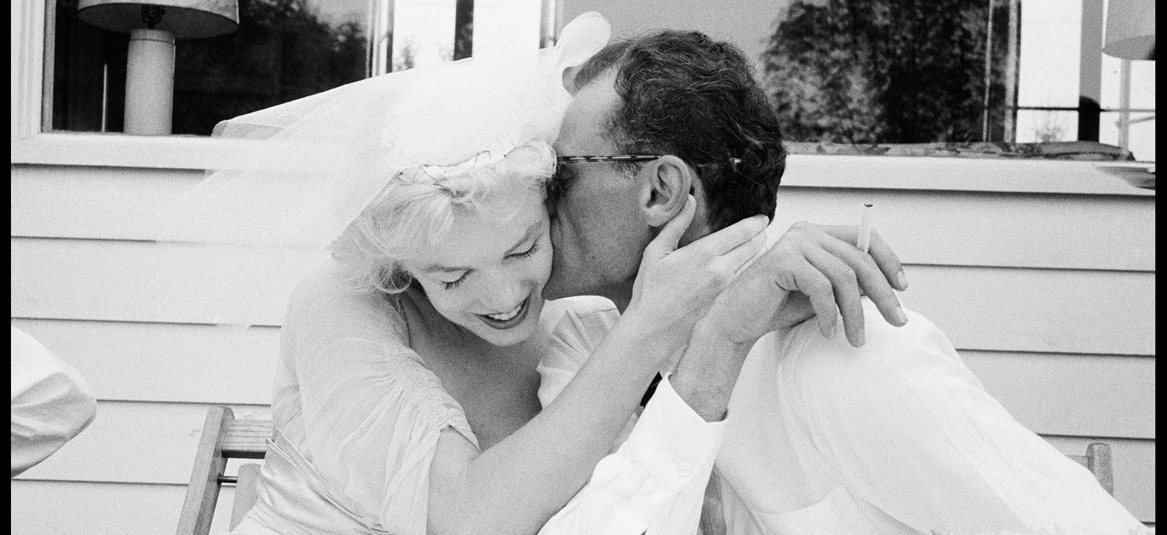 Marilyn recién casada con su marido