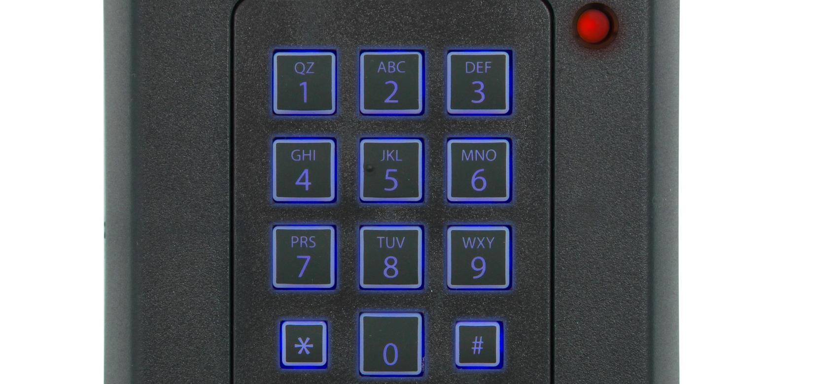 Teclado de teléfono con números azules