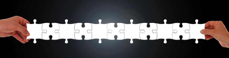 piezas de puzle encajadas