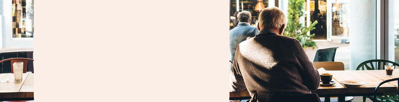 Imagen ilustrativa pensionistas en un café