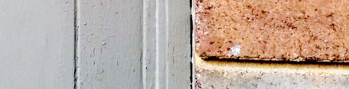 puerta y muro