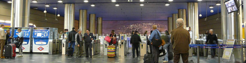 Vestíbulo de la estación de Metro Aeropuerto T1-T2-T3