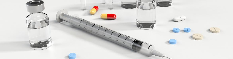 Medicamentos y jeringa