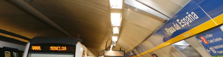 Trenes en la estación de Plaza de España