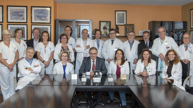 Profesionales de los servicios premiados y la Dirección del Hospital de Getafe