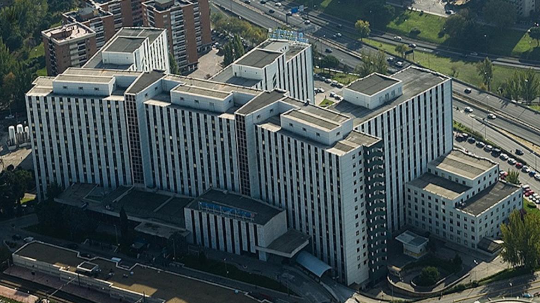Imagen de fachada del Hospital Universitario Ramón y Cajal