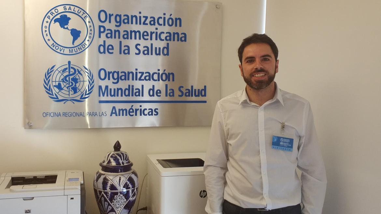 Víctor Quesada en su labor de voluntaria del América