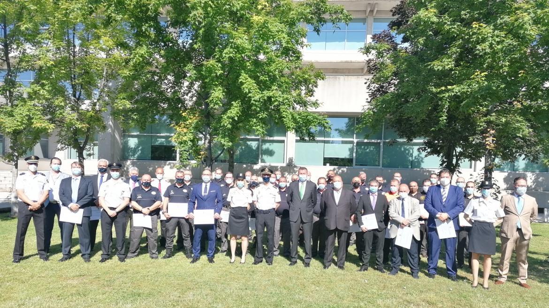 Entrega de menciones honoríficas de la Policía Nacional a personal de seguridad del SERMAS
