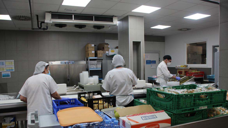 El Hospital de Fuenlabrada implanta dietas específicas para pacientes con infección por Covid-19