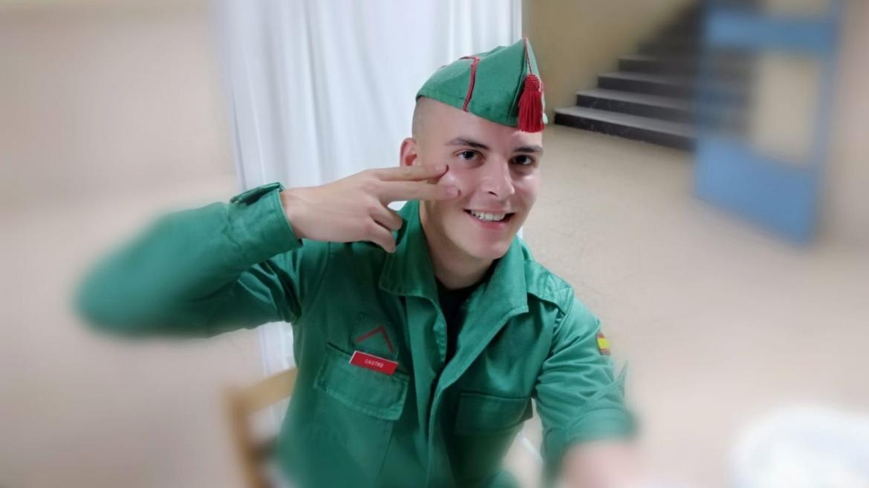 Extracción de muestra de sangre a un joven Guardia