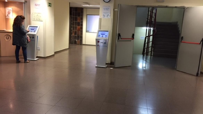 Hall de entrada al CEP El Arroyo