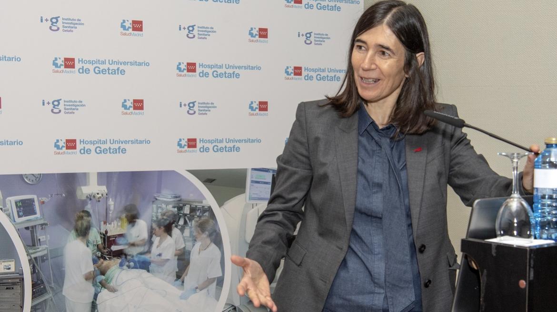 La Dra Blasco impartiendo la ponencia científica de la Jornada