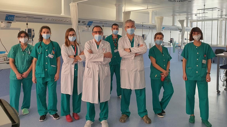 profesionales que han participado en el implante coclear