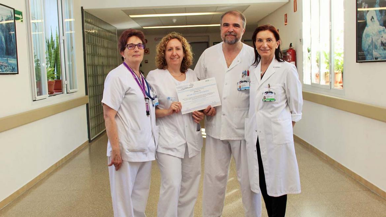 Profesionales de enfermería del Hospital Clínico premiados
