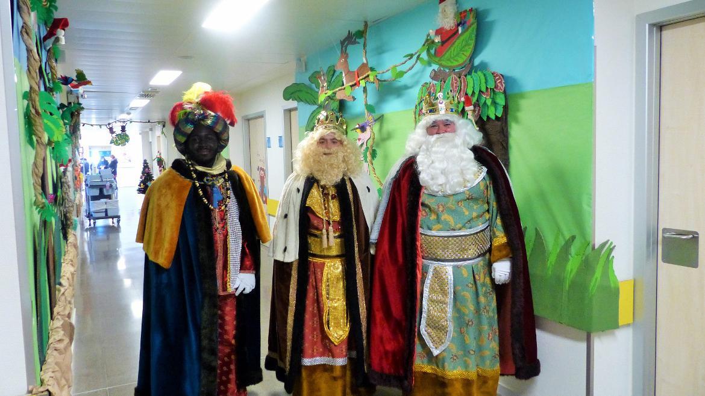 Los Reyes Magos sorprendieron a los niños ingresados en el Hospital Universitario Infanta Leonor