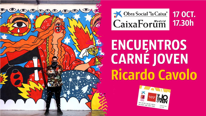 Cartel Ricardo Cavolo delante de una obra suya