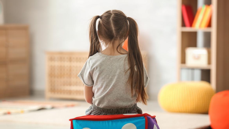 Niña con autismo