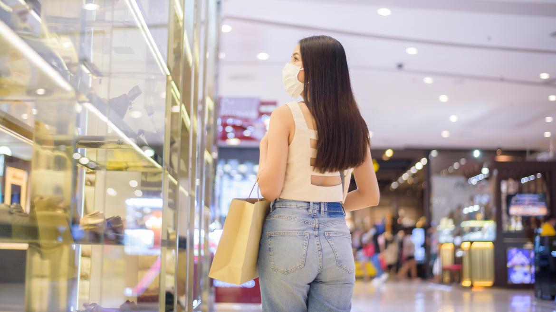 Una mujer de compras