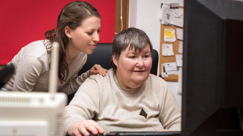 Persona con discapacidad trabajando