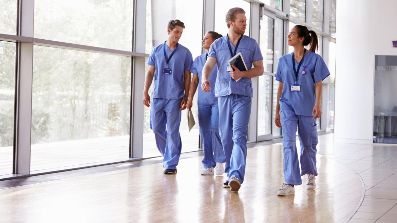 Personal sanitario en un hospital