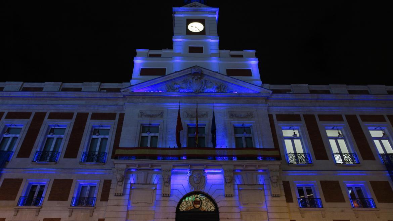 La Real Casa de Correos se ilumina de azul por el autismo
