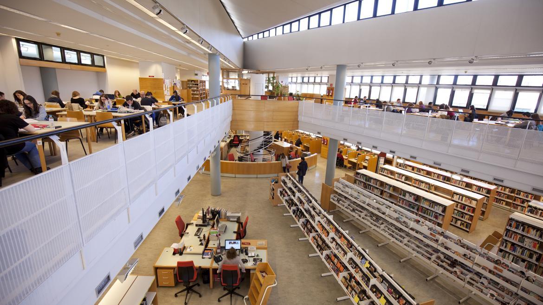 La Comunidad amplía el horario de 12 bibliotecas para facilitar la preparación de los exámenes