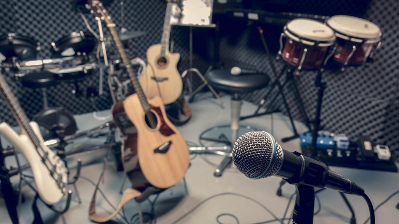 La Comunidad de Madrid inaugura nuevos locales de ensayo de música en una antigua subestación eléctrica