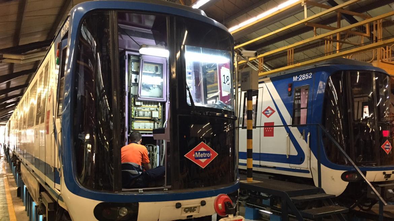 Cochera de Metro de Madrid, donde se está realizando labores de mantenimiento a los trenes