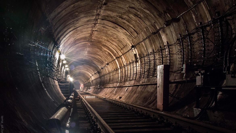 Túnel de Metro iluminado