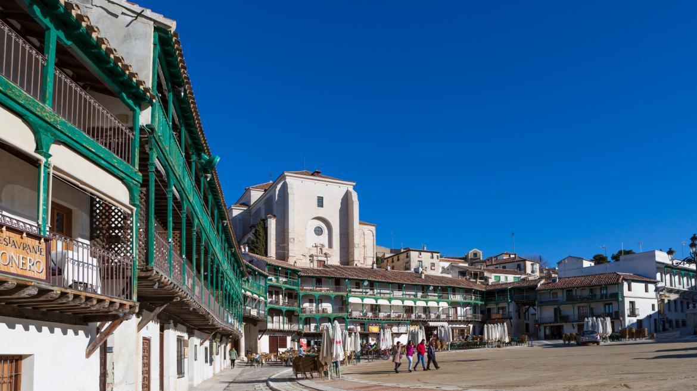 Plaza de Chiincón balcones verdes