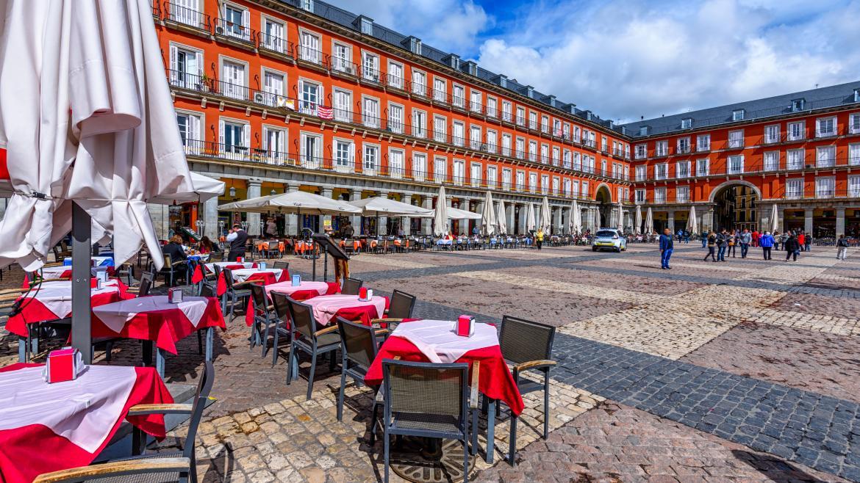 La terraza de un bar en la Plaza mayor de Madrid