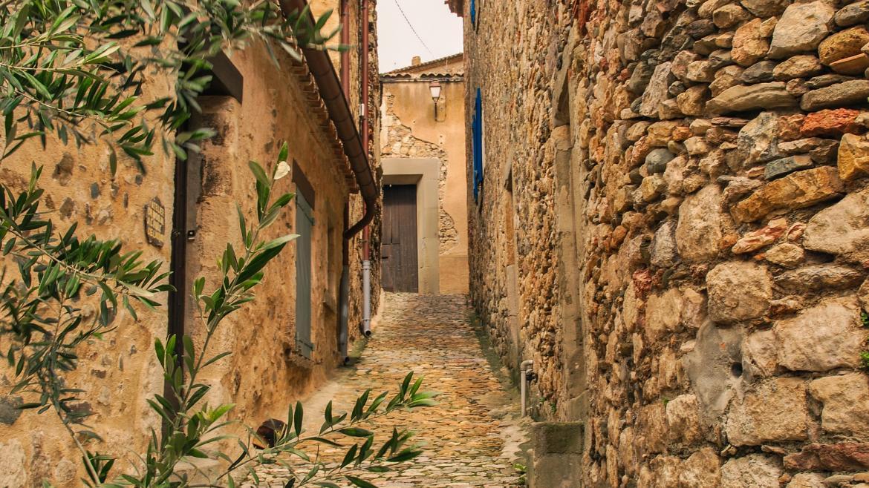 Pueblo rural de piedra