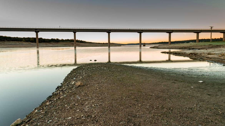Embalse de Valmayor con poca agua