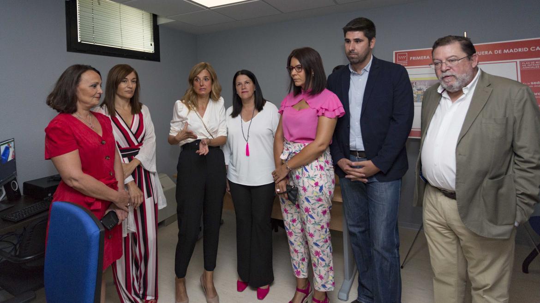 Yolanda Ibarrola, consejera en funciones de Justicia visita la cámara Gesell de los juzgados de Móstoles