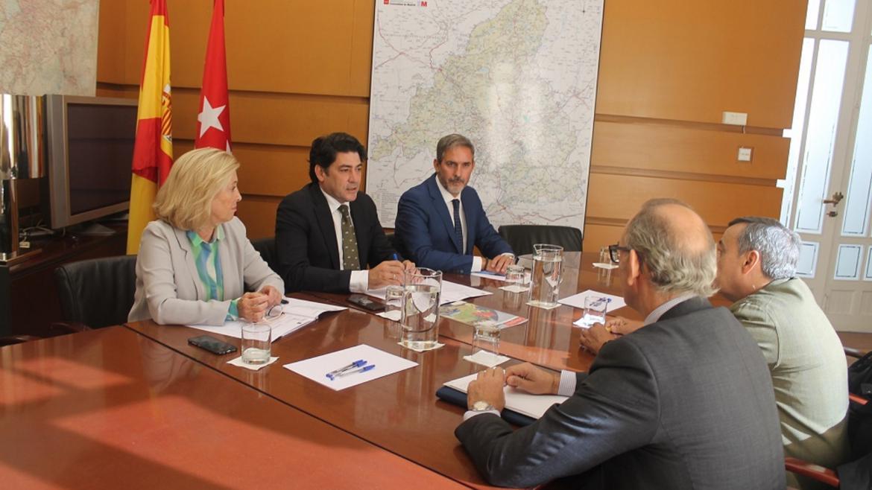 David Pérez mantiene un encuentro con los miembros de la Junta Directiva del Colegio de Agentes de la Propiedad Inmobiliaria