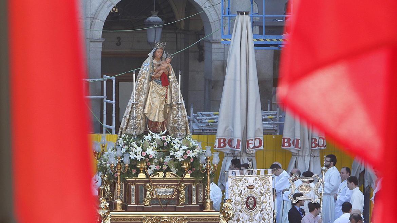 Garrido asiste a la Misa Solemne de la festividad de la Almudena, patrona de Madrid