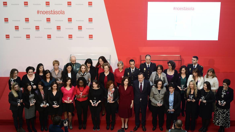 Foto de familia durante la entrega de los premios