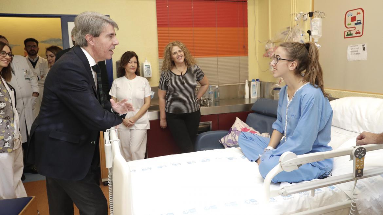 Ángel Garrido visita el Hospital Infantil Niño Jesús