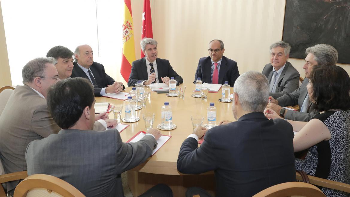 El presidente regional ha mantenido su primera reunión con los máximos responsables de las 6 universidades públicas madrileñas