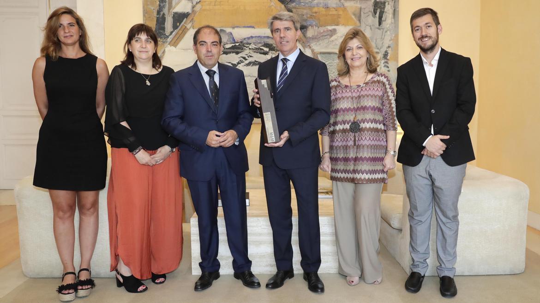 El galardón a la mejor iniciativa institucional distingue a la Tarifa plana de cotización aprobada para los autónomos madrileños